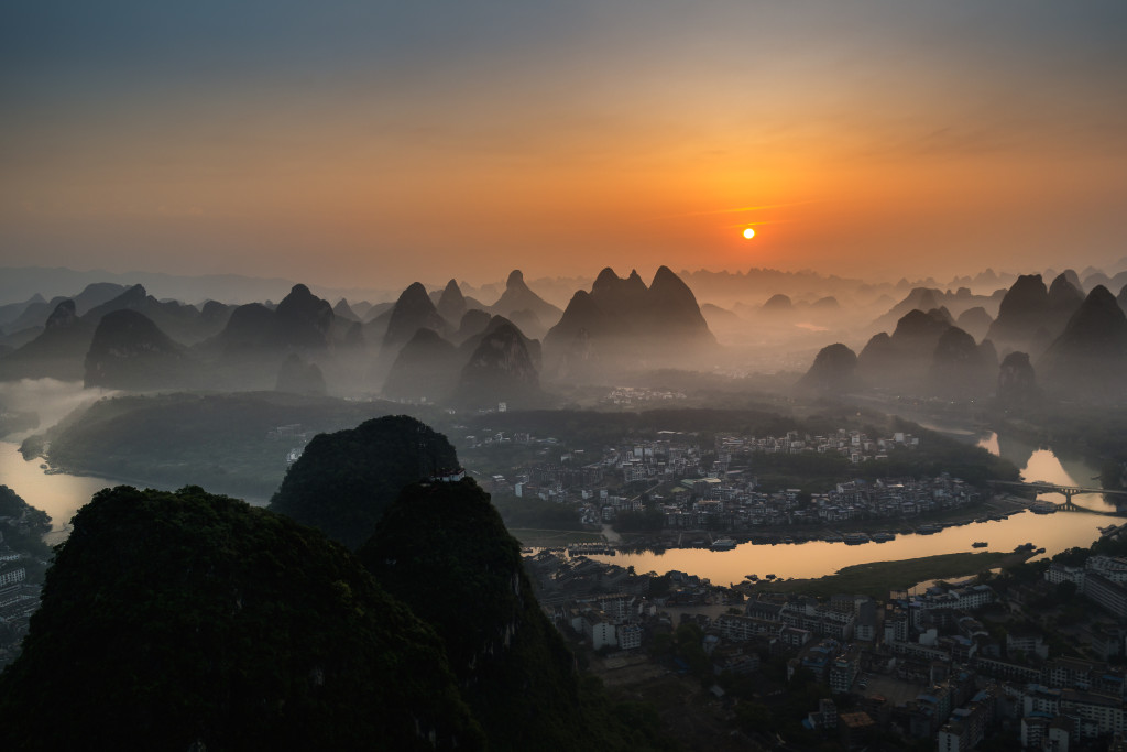 An amazing sunset on an amazing place.  #yangshuo #travel #china